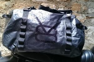 sac moto etanche v8 equipement 4h10.com