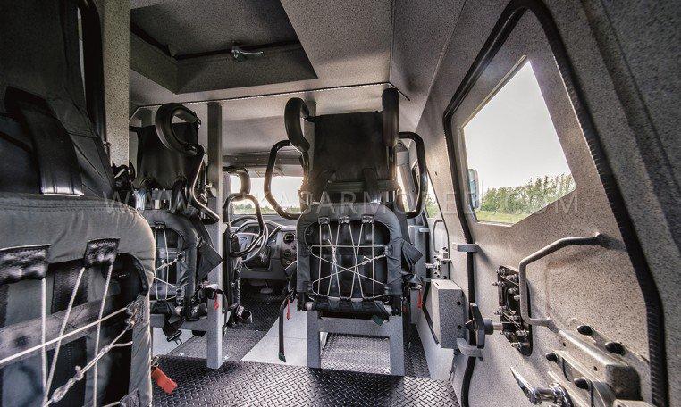 inkas-sentry-apc-interior-762x456