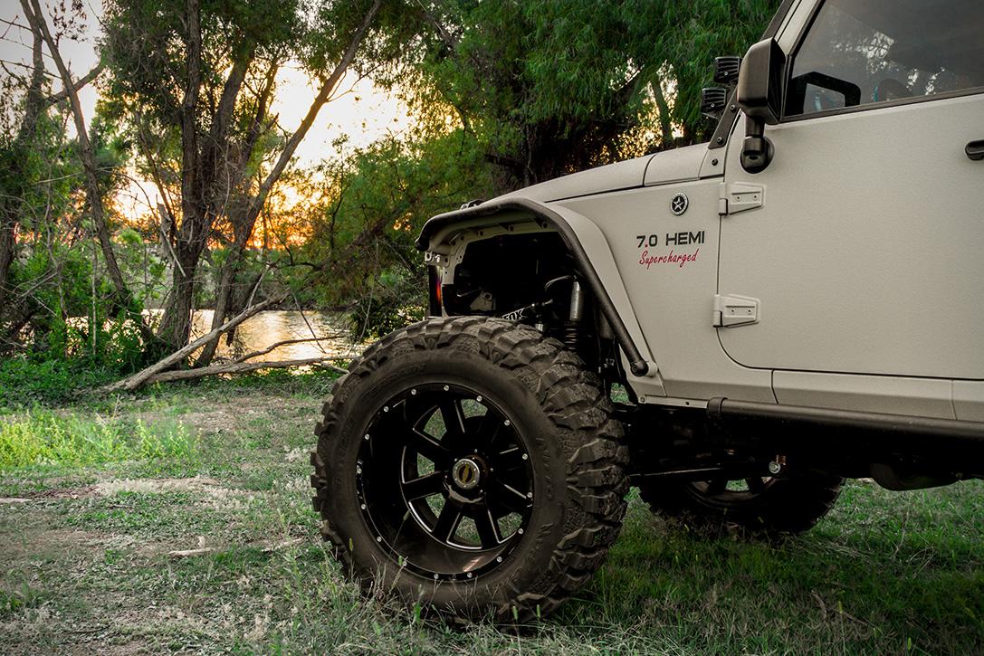 Starwood-Motors-2012-Jeep-Wrangler-Bandit-4