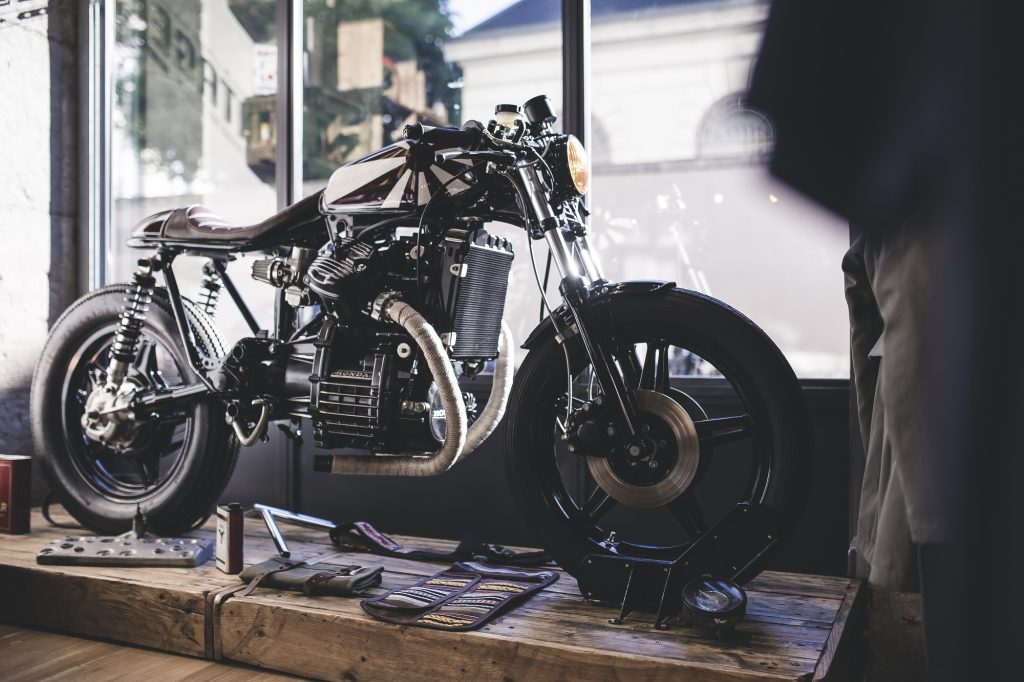Atelier 1937-Atelier-1937-garage-custom-kustom-CX-500-CX 500-cafe racer-préparation-motorcycle-moto-grenoble-