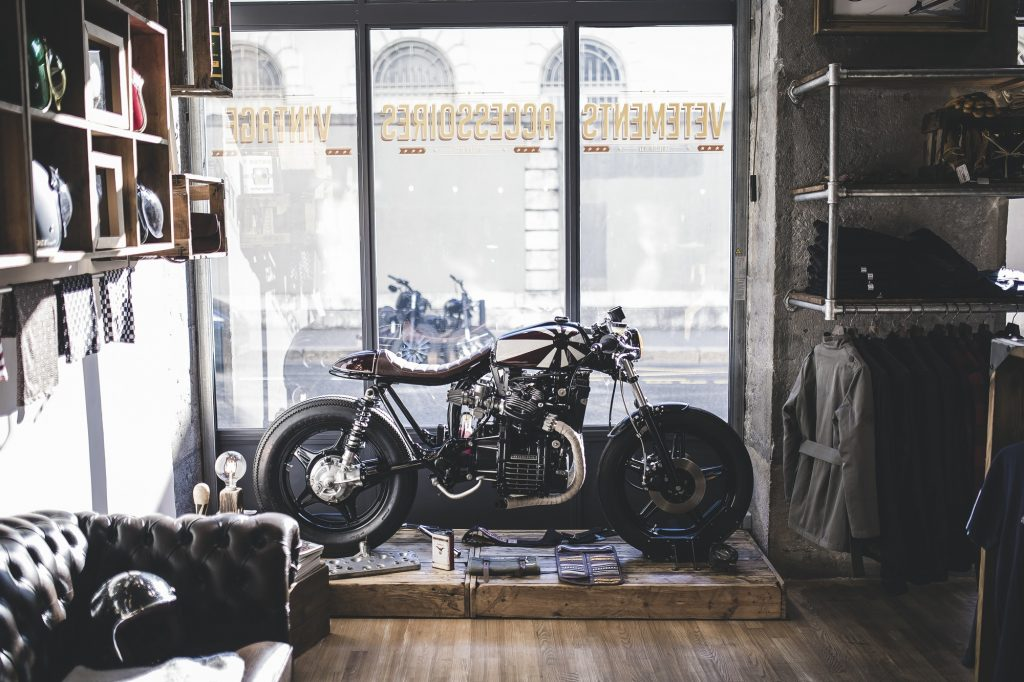 Un caf racer sur base de honda cx500 by l atelier 1937 4h10 for Garage preparation moto