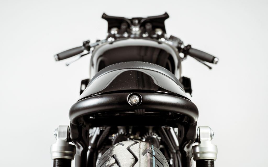 Hookie Co-Black Mamba-Honda CB550-cafe racer-custom-honda-CB550-allemagne-motorcycle-