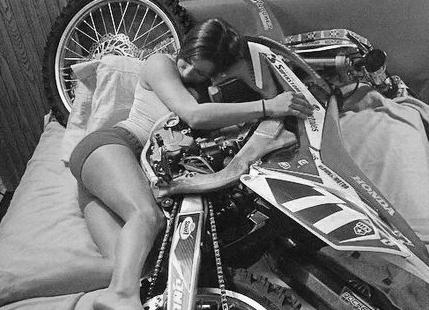 Adopte une moto.com : quelle moto pour ton égo?