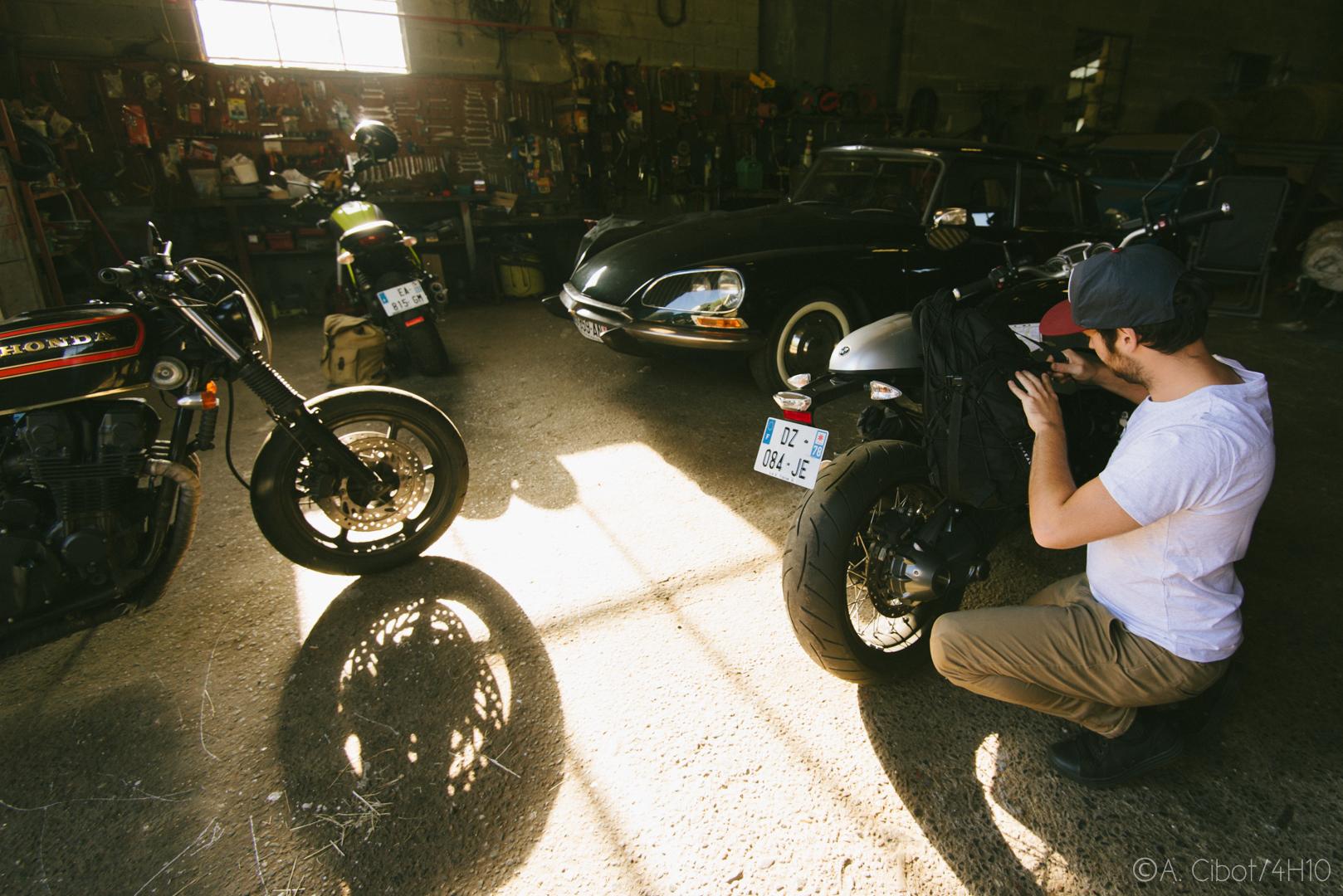 roadtrip-moto-auvergne-saint-flour-cantal-ballade-itineraire-4h10-ninety-scrambler10
