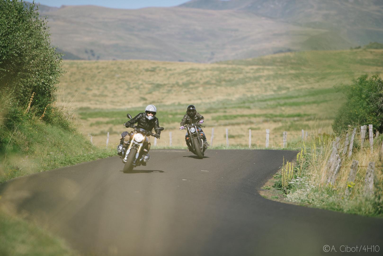 roadtrip-moto-auvergne-saint-flour-cantal-ballade-itineraire-4h10-ninety-scrambler11