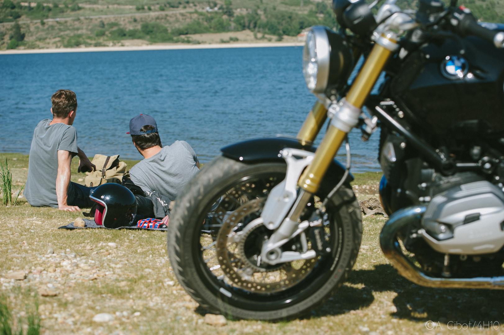roadtrip-moto-auvergne-saint-flour-cantal-ballade-itineraire-4h10-ninety-scrambler24