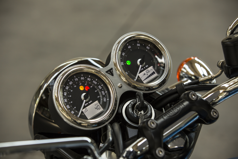 Triumph new Bonneville T100 2016 4h10.com