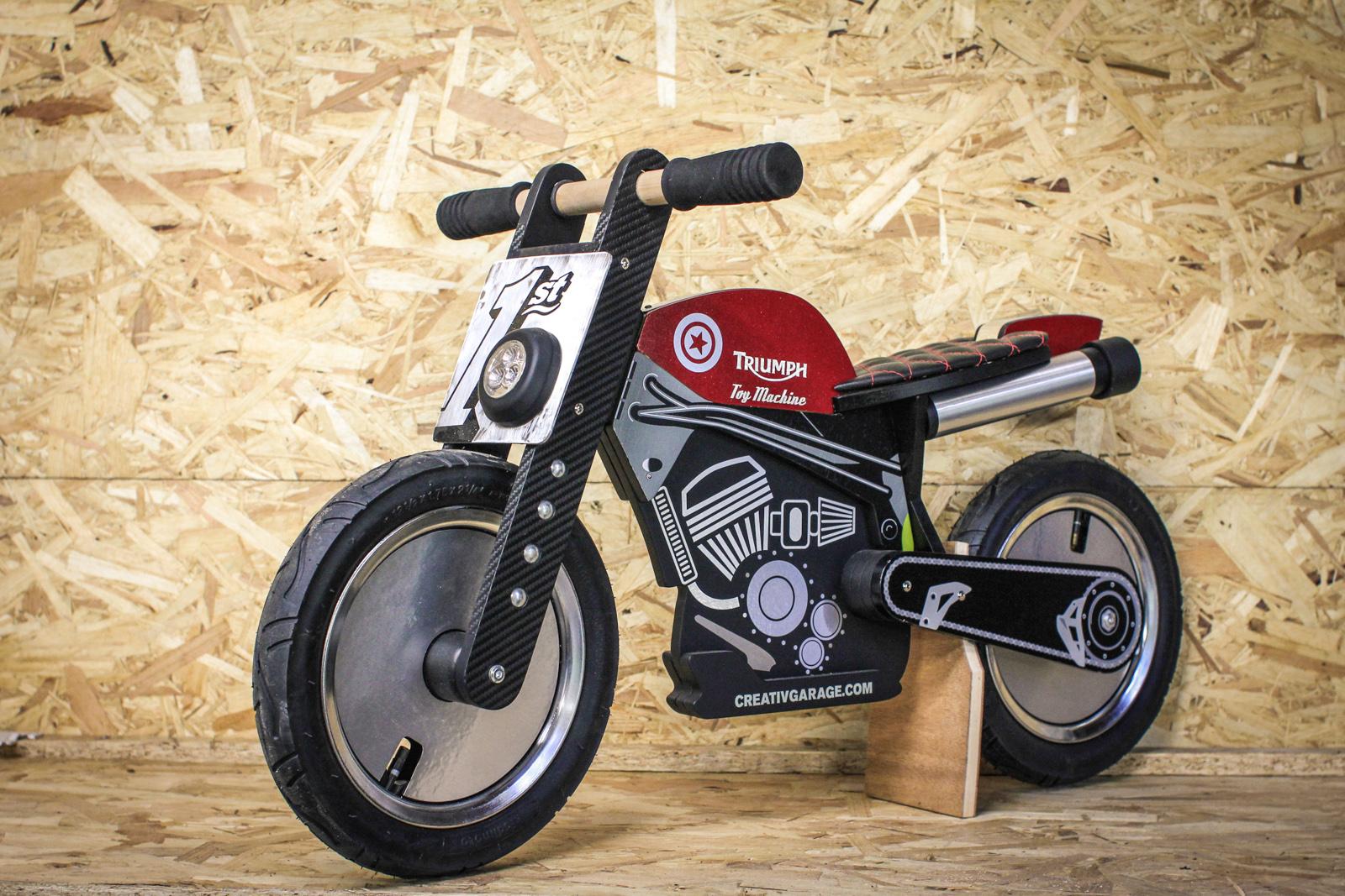 Des draisiennes customis es pour la bonne cause 4h10 for Ouvrir garage moto