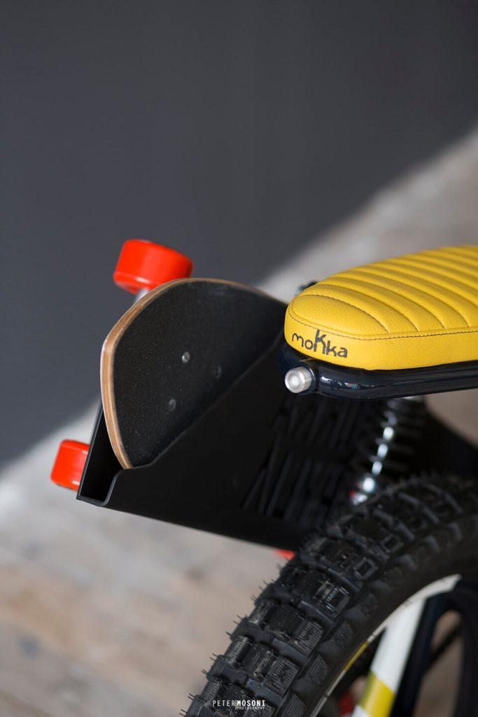 Mokka Cycles_Peripoli_50cc_Italie_Motorcycle_moto_custom_90_Budapest_Phylia Studio_mobylette_vintage_custom_kustom_femme_4h10_4H10_Romain de Bascher_Skate_Longboard_