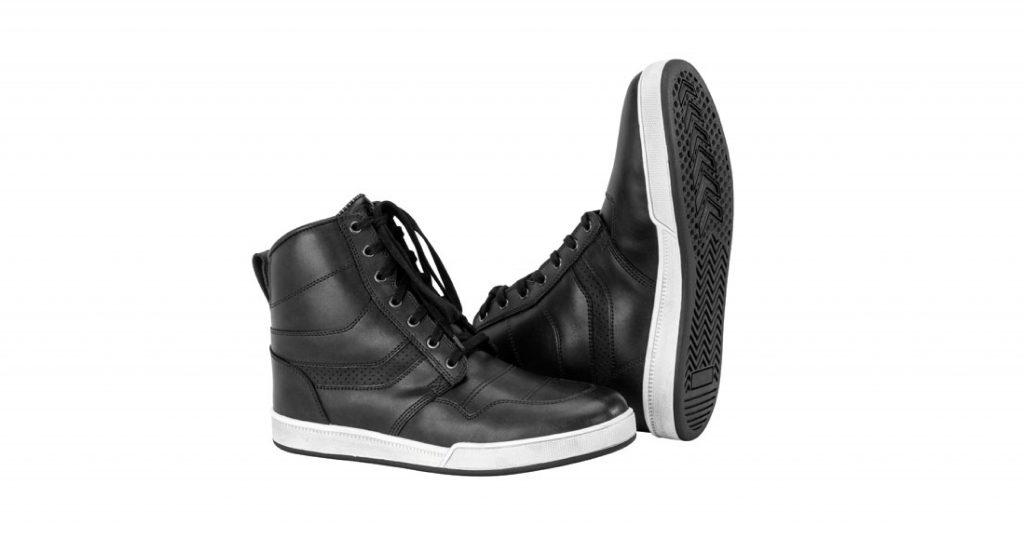 Vous ne serez pas déçu par les baskets The Deceptor de Black Brand.