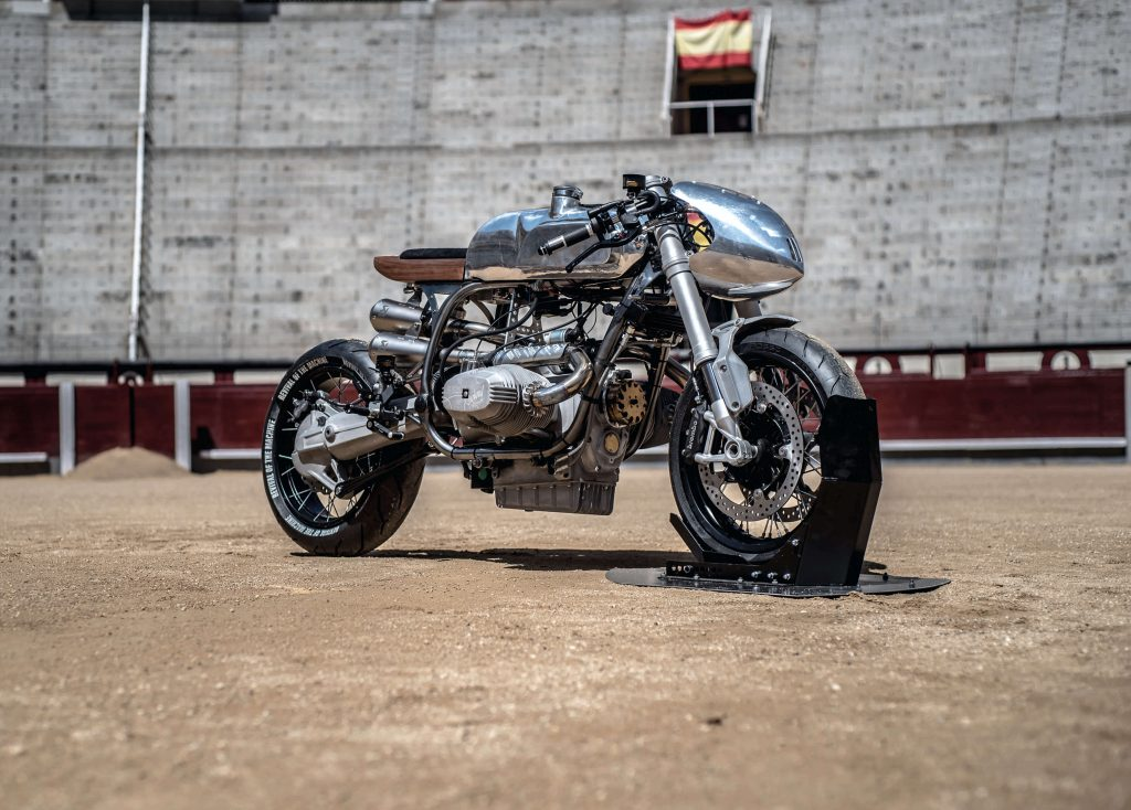 Revival of the Machine-Silver Bullet-XTR Pepo-BMW-R100RS-Zenith-Rizoma-R Nine T-custom-preparation-espagnol-espagne-kustom