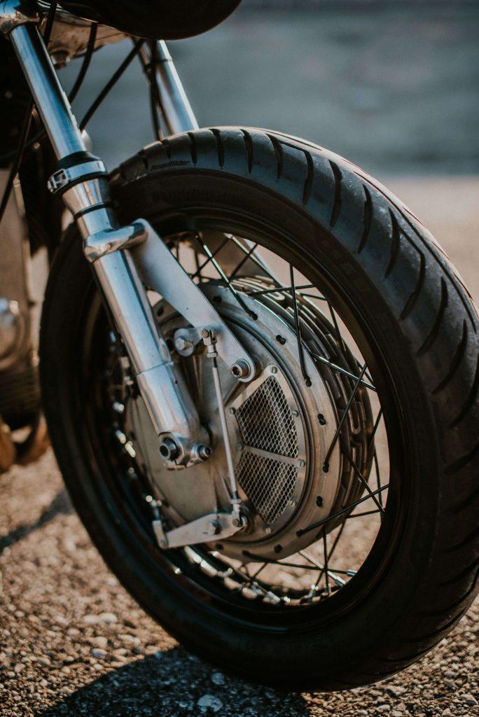 Ruote Fiere-Charles Seguy-Davide Caforio-photographe-kustom-custom-Moto Guzzi V7Special-750cc-1970-italie-italia-motorcycle-moto-