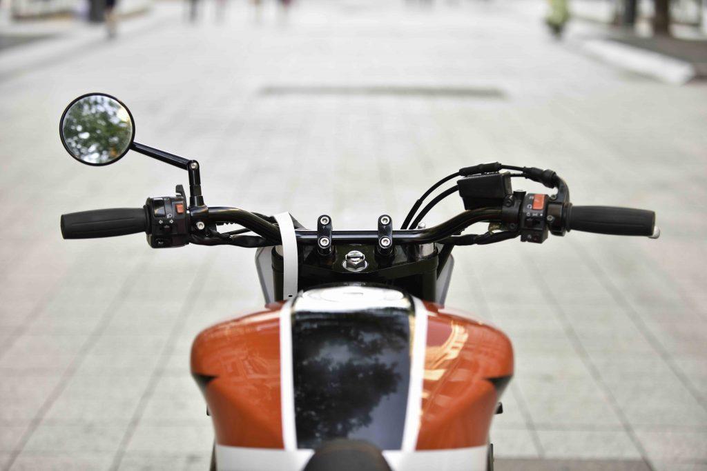 BF Motorcycles-BF#48-yamaha-fazer-600-custom-cafe racer-scrabbleur-préparation-custom-moto-1