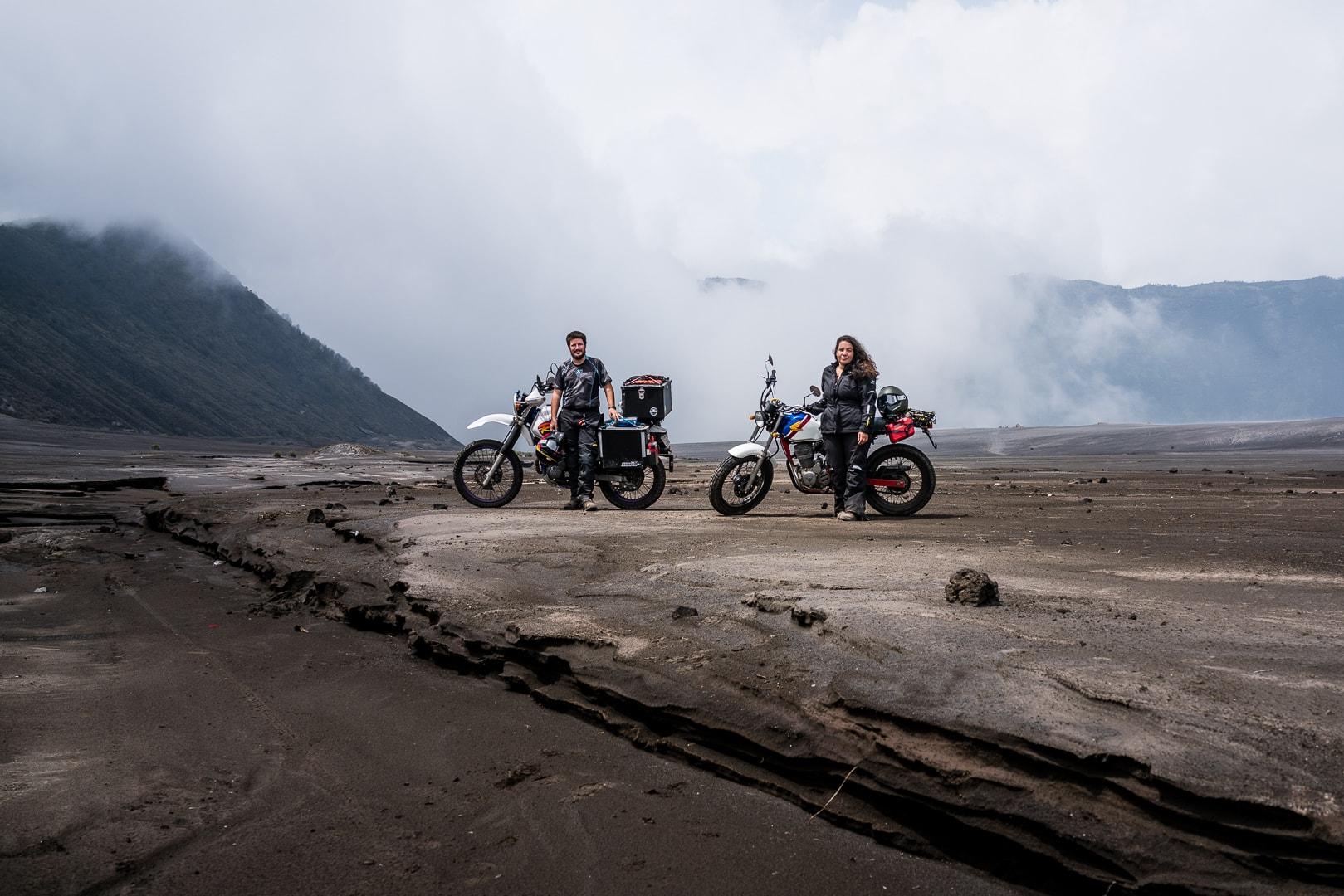 From NZ to FR voyage roadtrip moto tour du monde vintage
