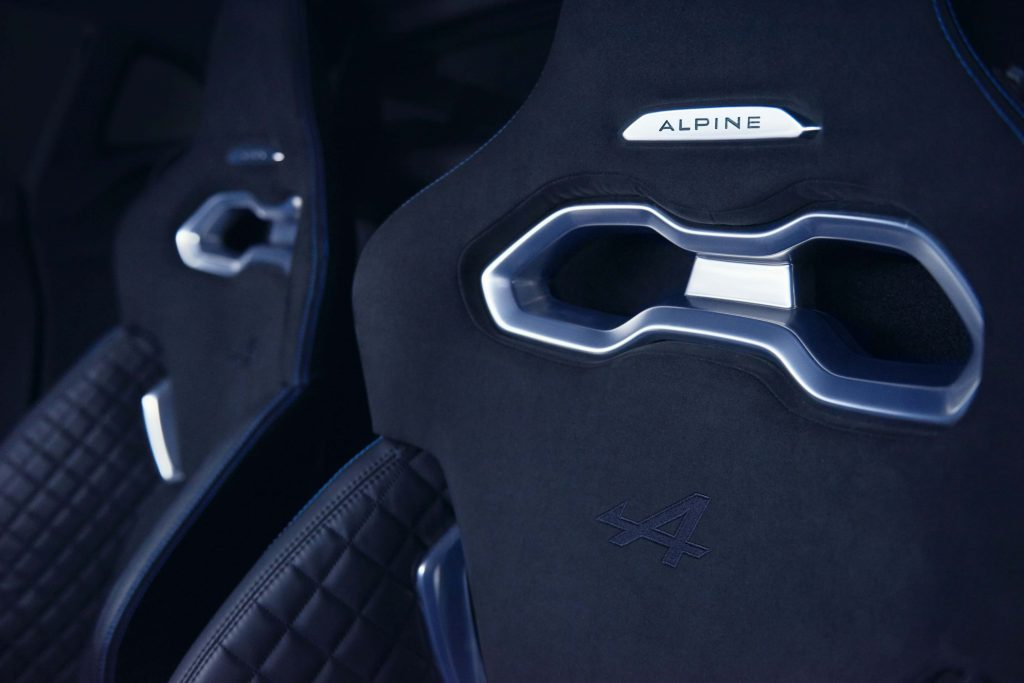 New-nouvelle-Alpine_renault_voiture_Custom_collection