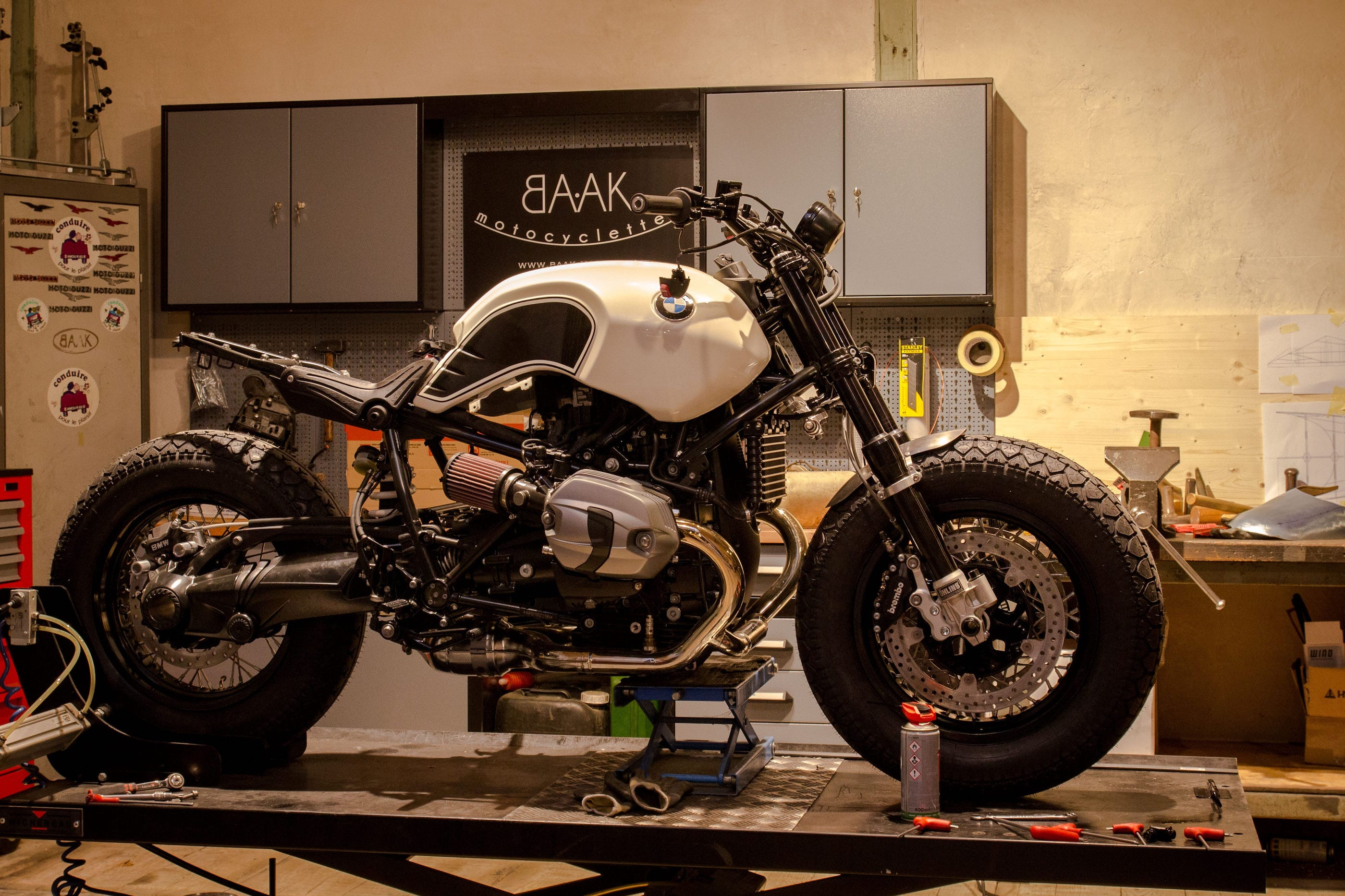 bmw ninet bobber la petite derni re de chez baak motocyclettes 4h10. Black Bedroom Furniture Sets. Home Design Ideas