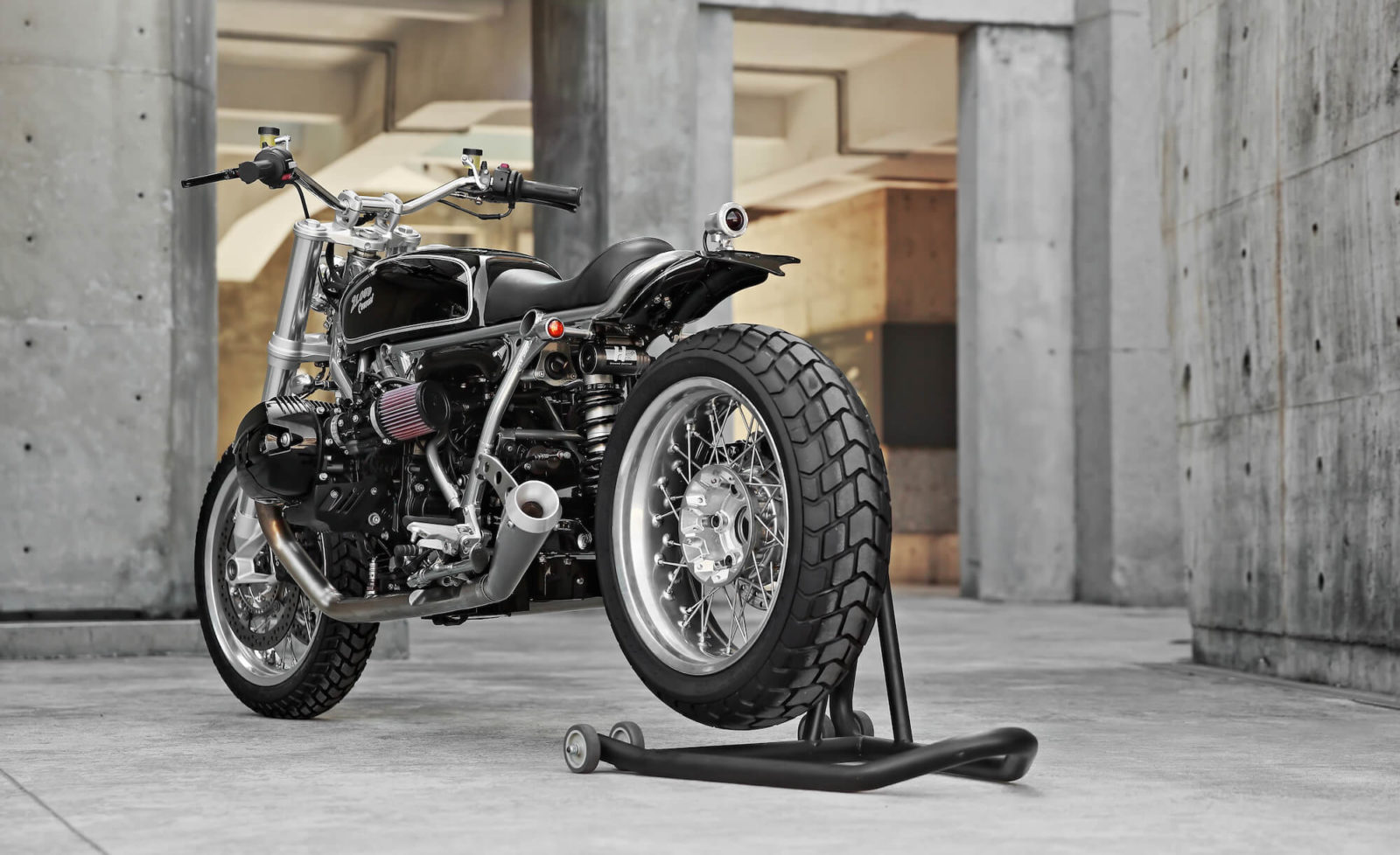 BMW NineT Nine T custom 2 Loud cafe racer scrambler