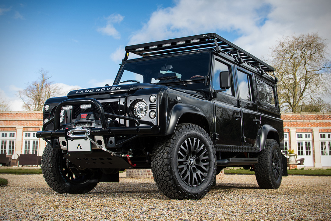 Land Rover Defender 101 Duke Arkonik