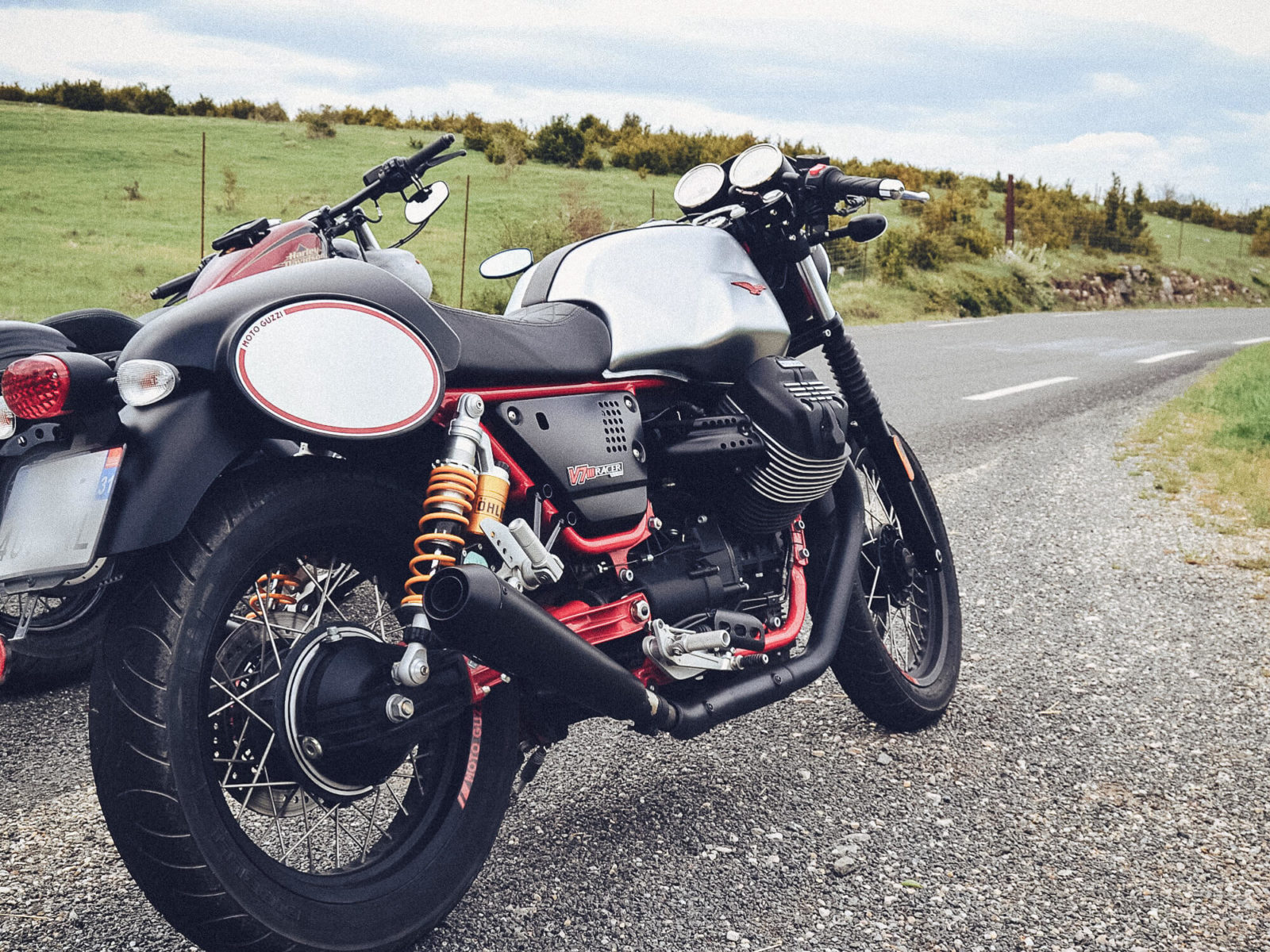 Moto Guzzi V7 3 III iii racer test avis prix comparatif
