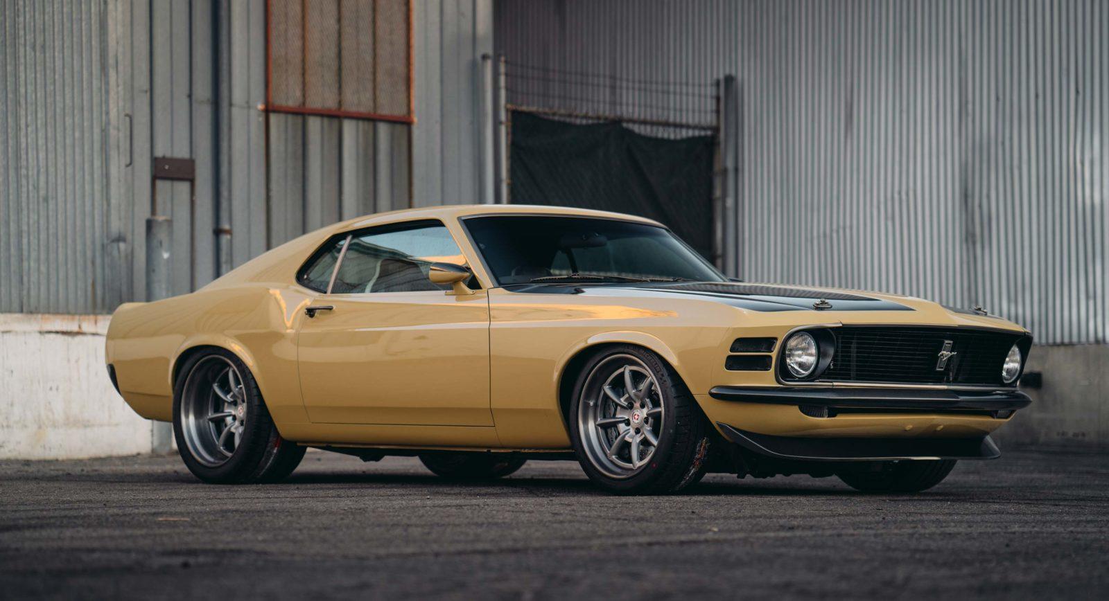 La folle Ford Mustang Custom de Robert Downey jr 1970 ironman voiture