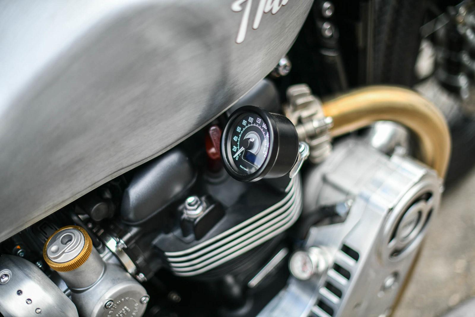Triumph Bobber compresseur black concession prix prépa garage GB94