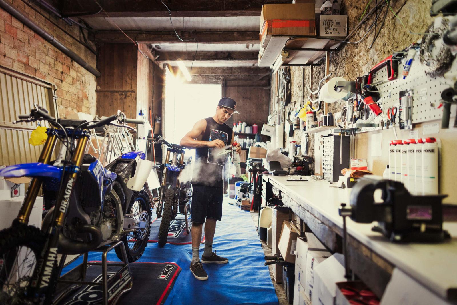 iPone huile moto comment choisir prix pas cher synthétique minéral qualité