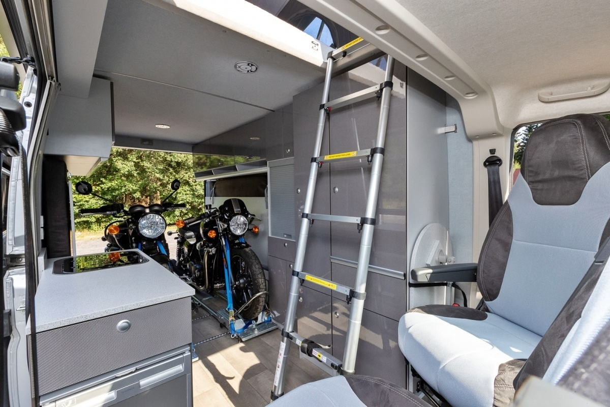 citroen jumper biker solution van moto charger rail dormir roadtrip