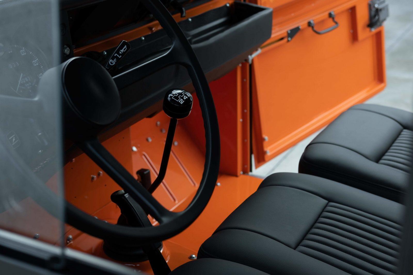 Land Rover range vintage ancien cool vintage série 3 restauration garage piece entretien