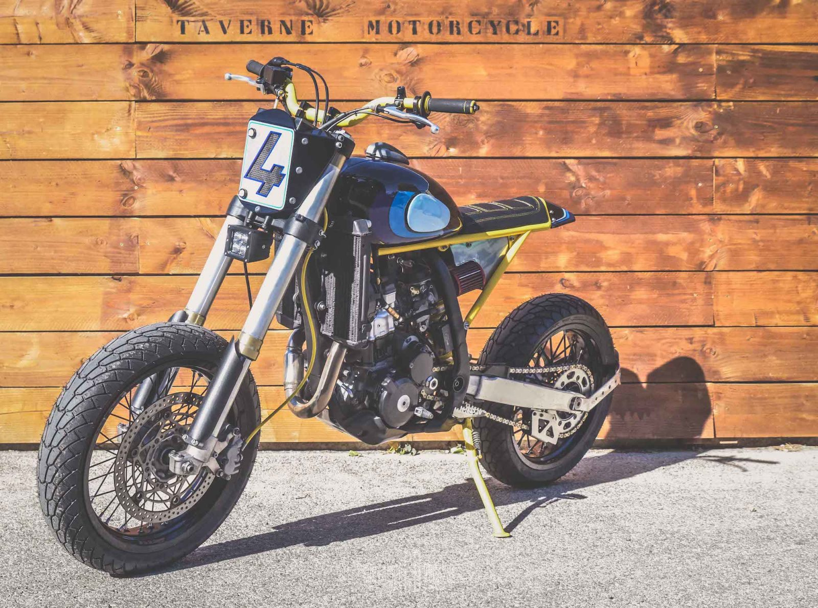 Taverne motorcycles Suzuki DRZ 400 custom cafe racer royal cambouis sud