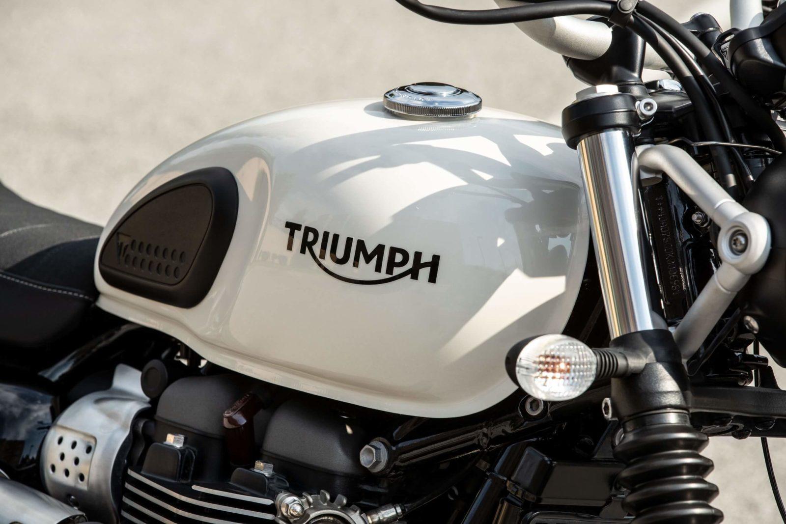 Triumph Street Twin street scrambler 2018 2019 avis test puissance essai comparo comparatif