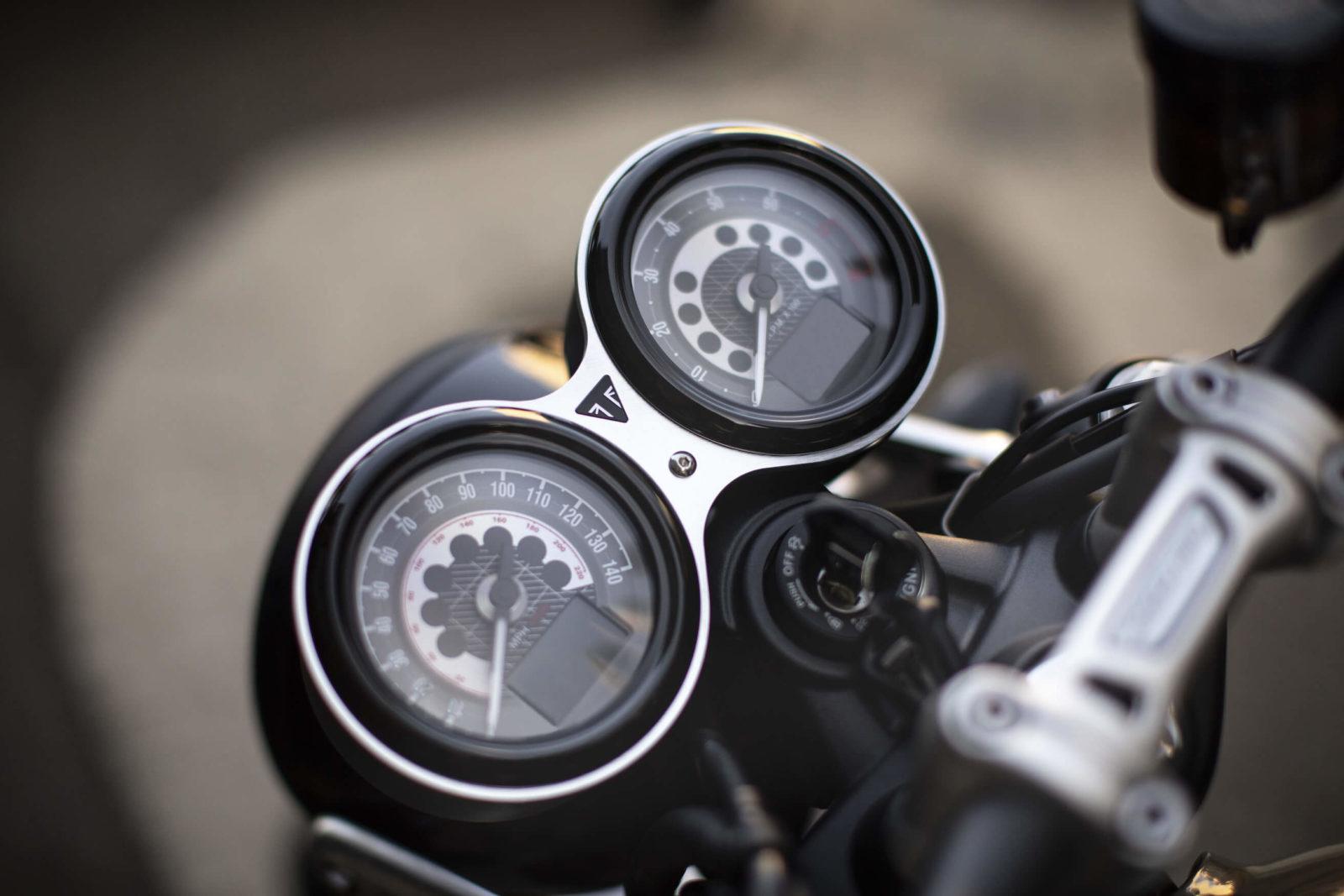 Triumph Speed Twin 1200 essai test avis comparatif prix occasion fiche technique