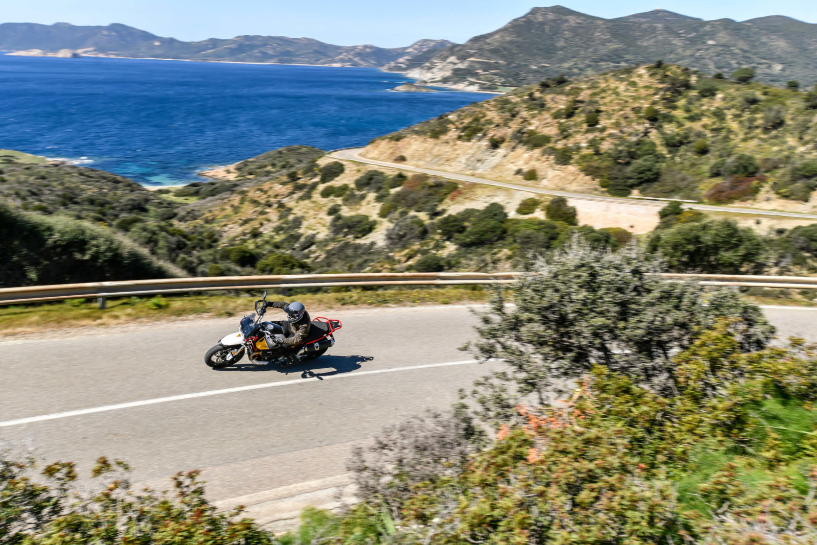Le test de la Moto Guzzi V85 TT : Notre avis sur cet essai en Sardaigne