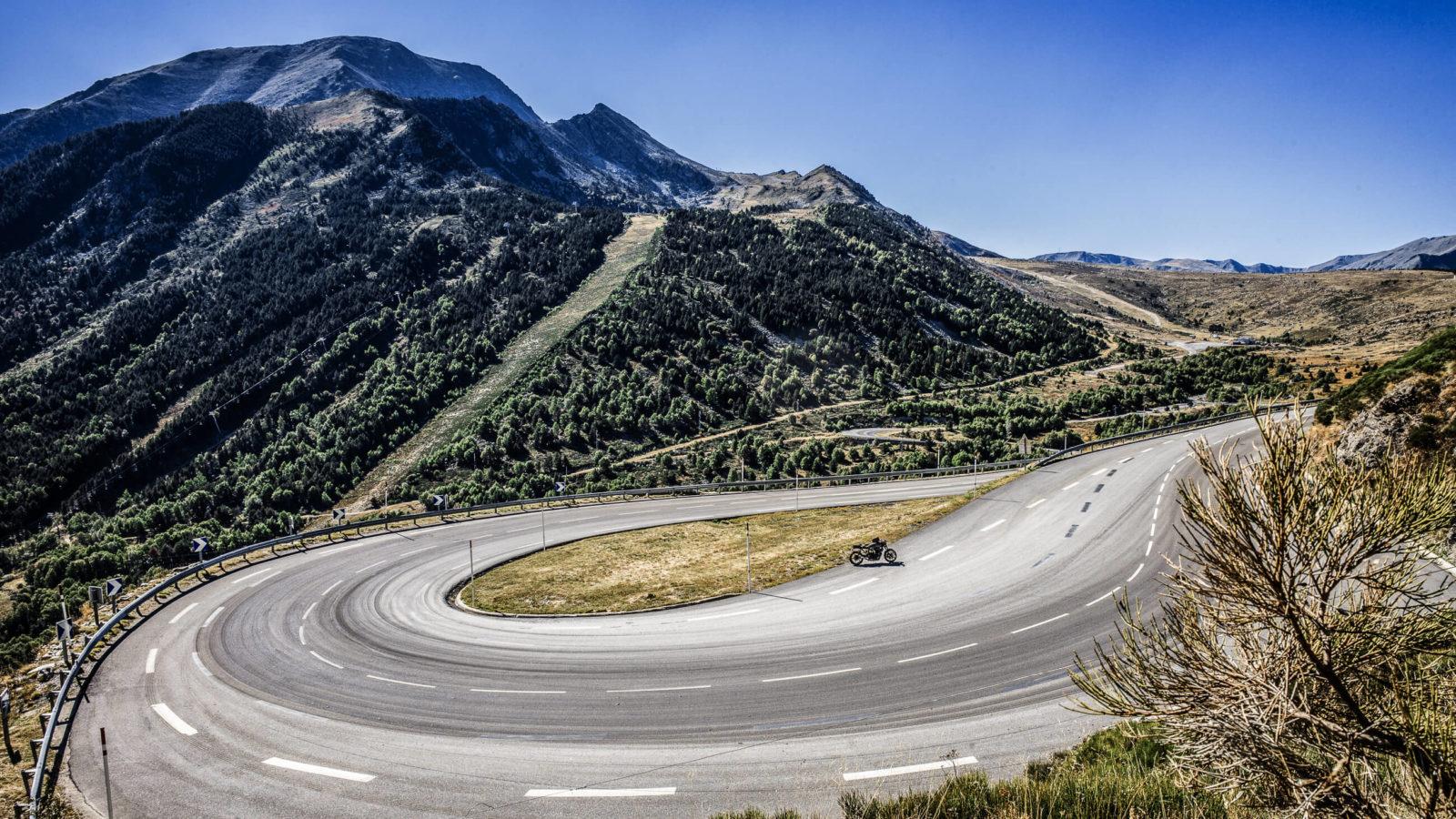 motorcycle diaries road trip moto Pyrénées pays Basque roadtrip