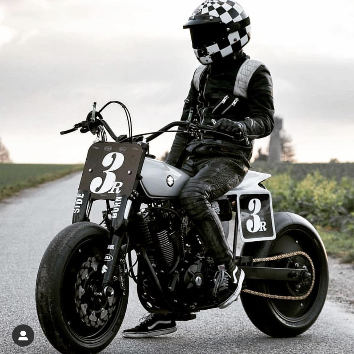 Dans la roue de Thomas letourneur top chef cuisinier moto preparateur paris garage French atelier