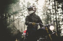 age of glory escape the city moto vintage cafe racer film court métrage