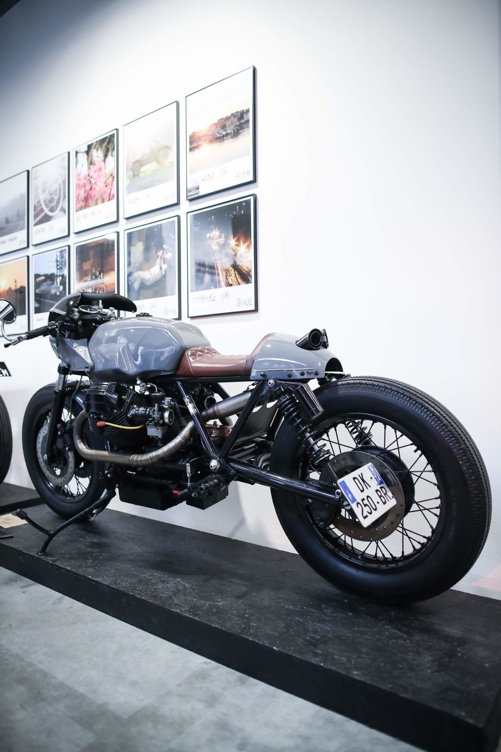 Lionel beylot photo moto Guzzi cafe racer paris bastille