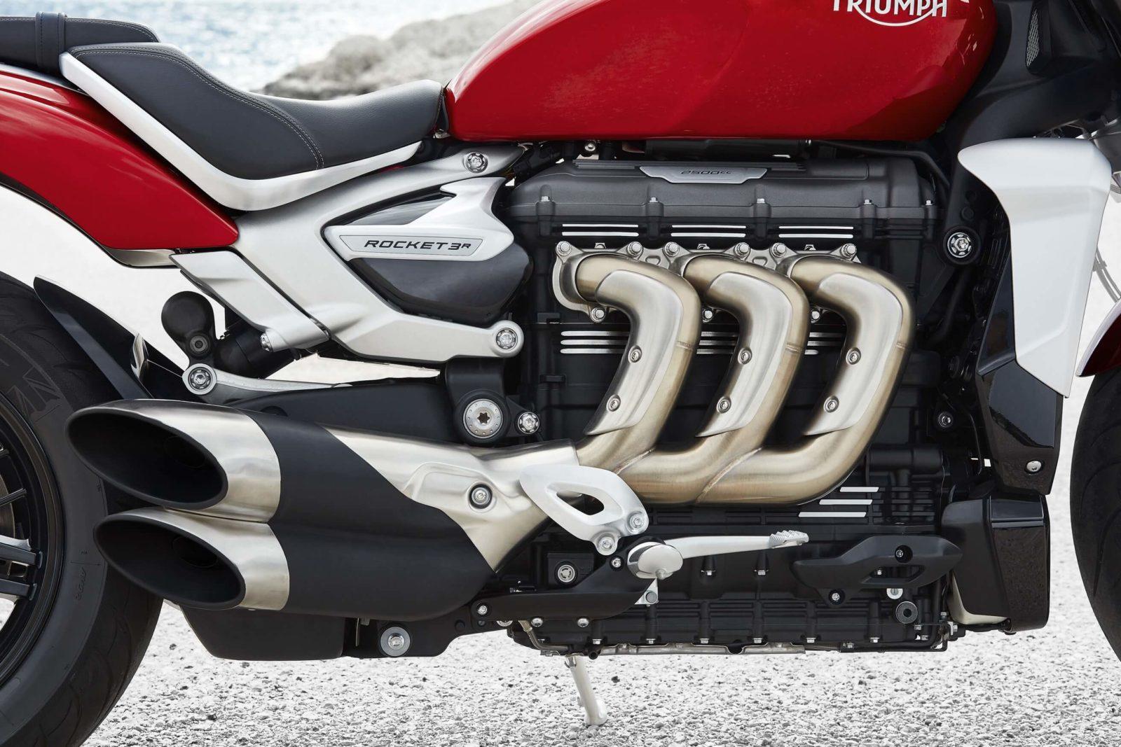 Triumph rocket 3 III R GT test avis prix puissance chevaux couple moteur