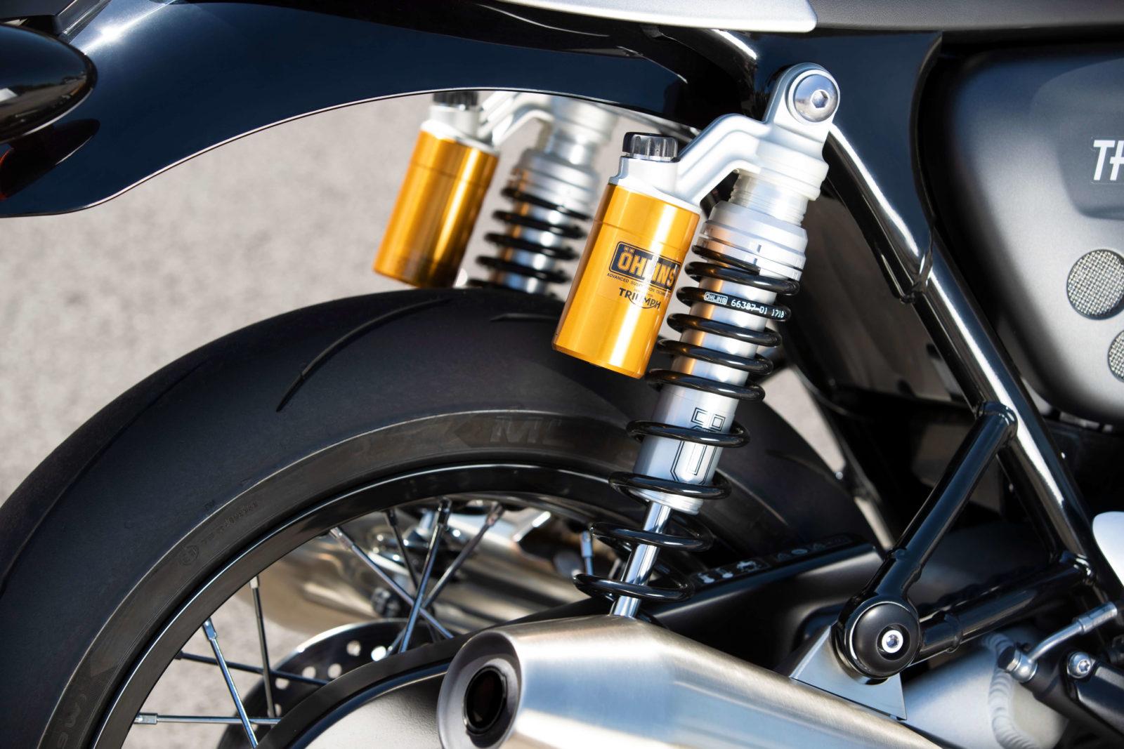 Triumph Thruxton RS test avis prix fiche technique vitesse chevaux