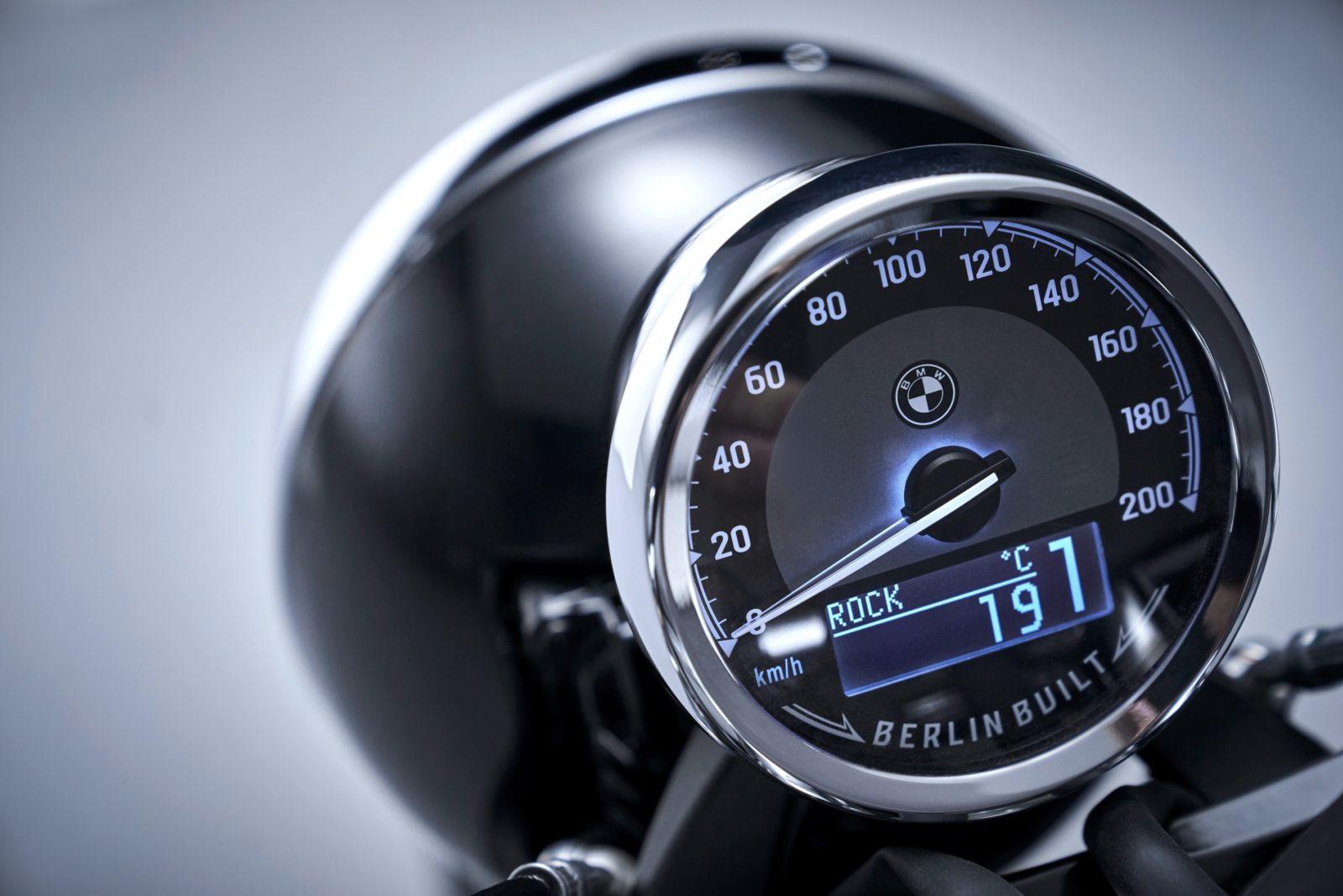 BMW R18 Informations fiche technique prix moto acceleration date de sortie
