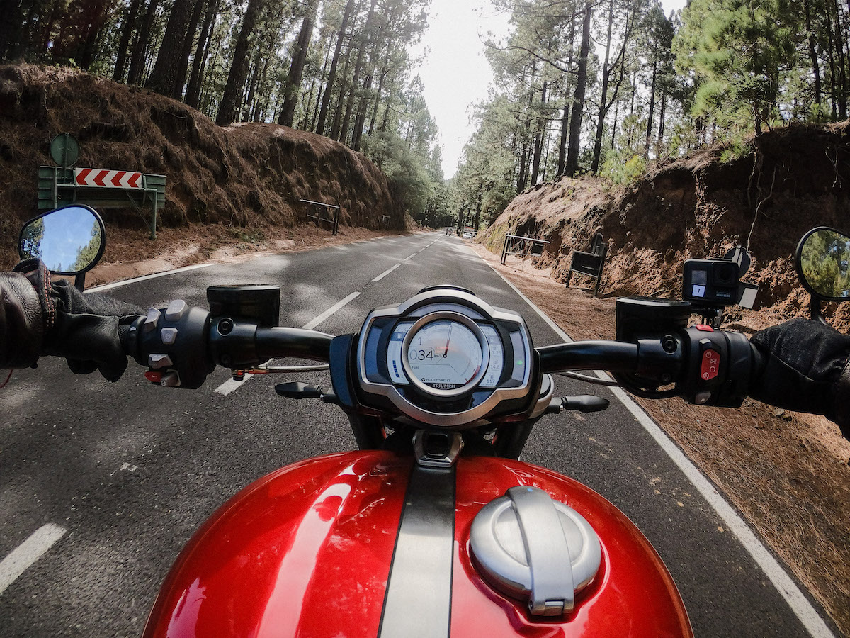 Les 5 accessoires GoPro essentiels à moto !