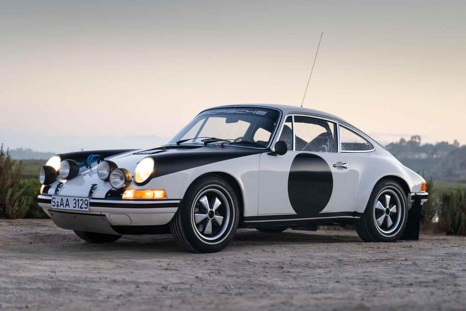 Porsche 911 ST Rallye de trois-quarts face