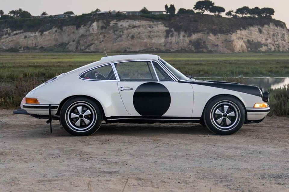 Vue de profil de la Porsche 911 ST Rallye