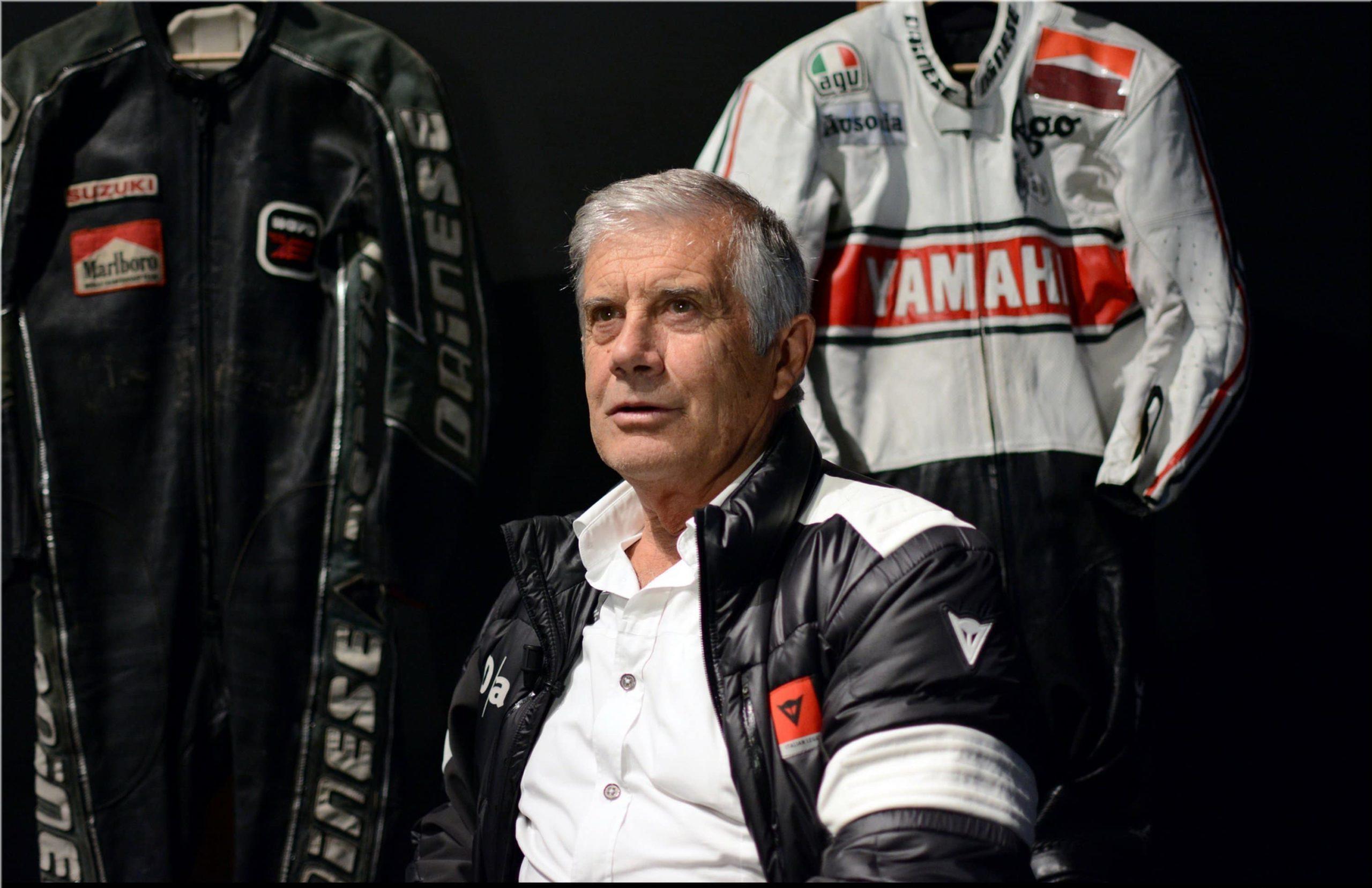 Giacomo Agostini en combi et autres équipements moto Dainese