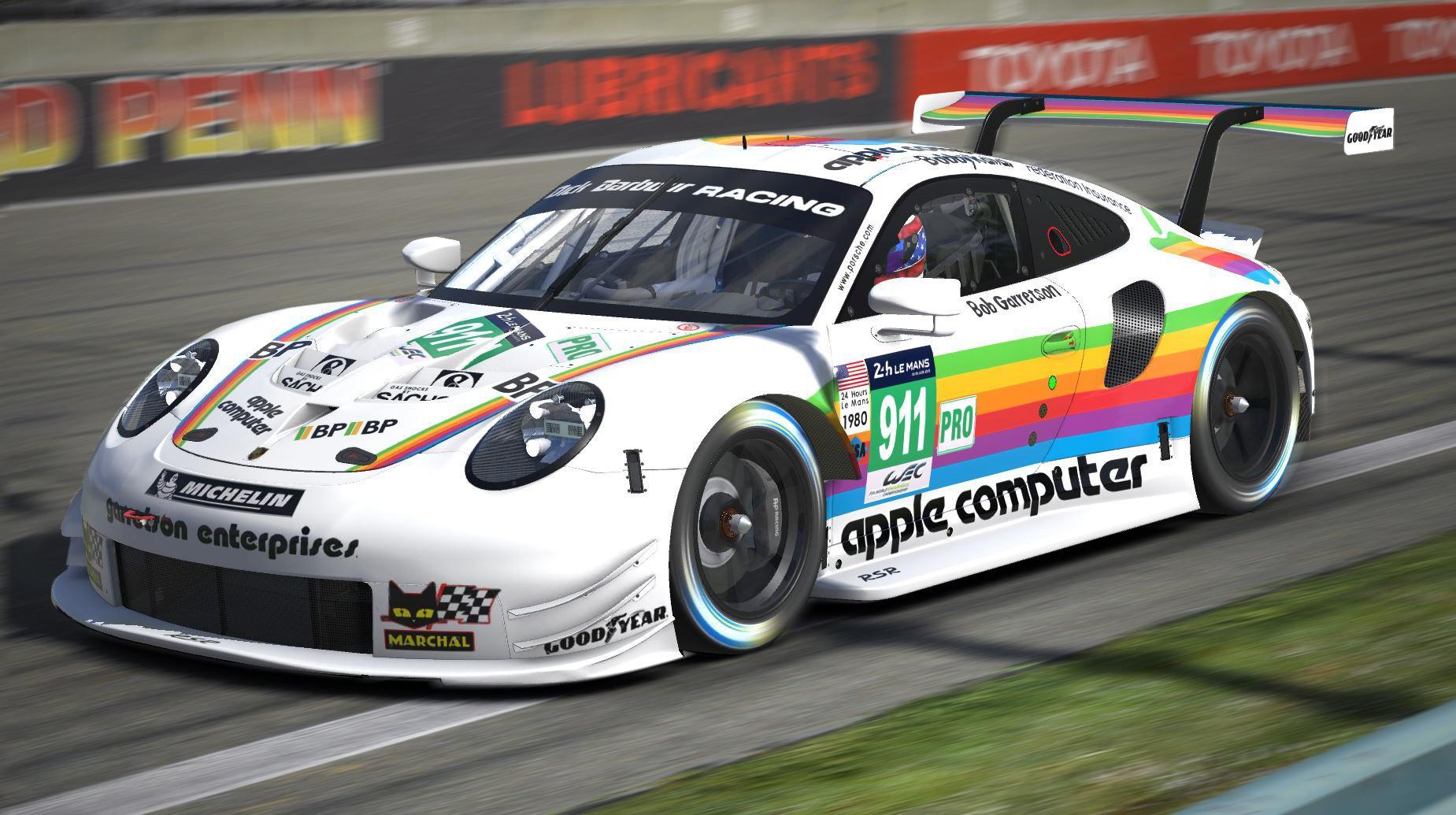 Porsche 911 RSR Apple