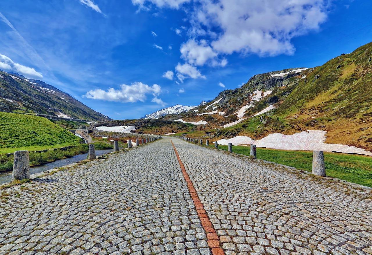 pavés ancienne route de tremola