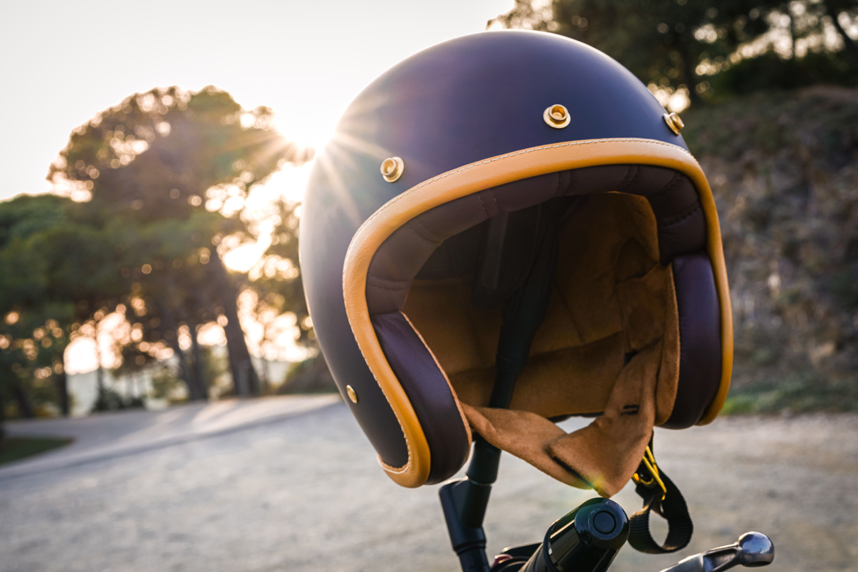 Test du casque jet Marko Helmets « The classic » finition noir mat