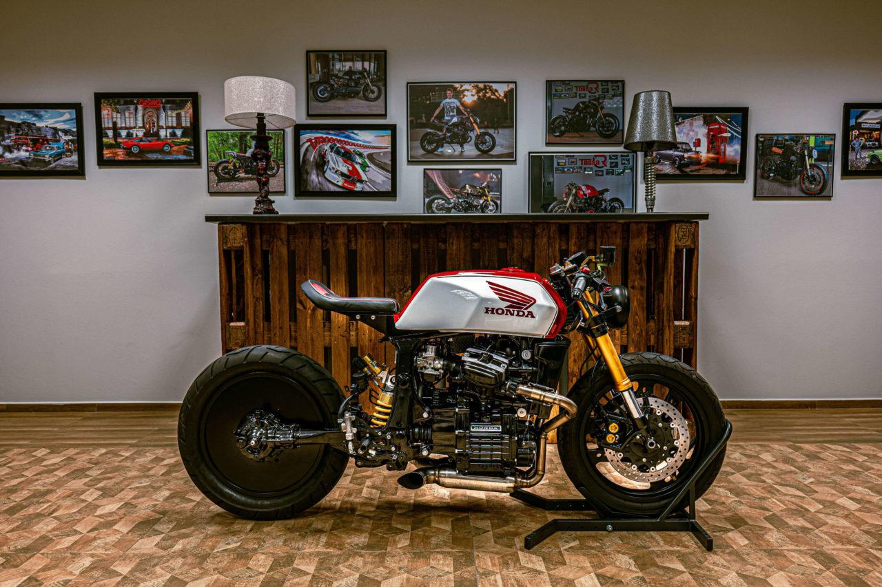 La magnifique CX500 cafe racer du garage TOSSA R