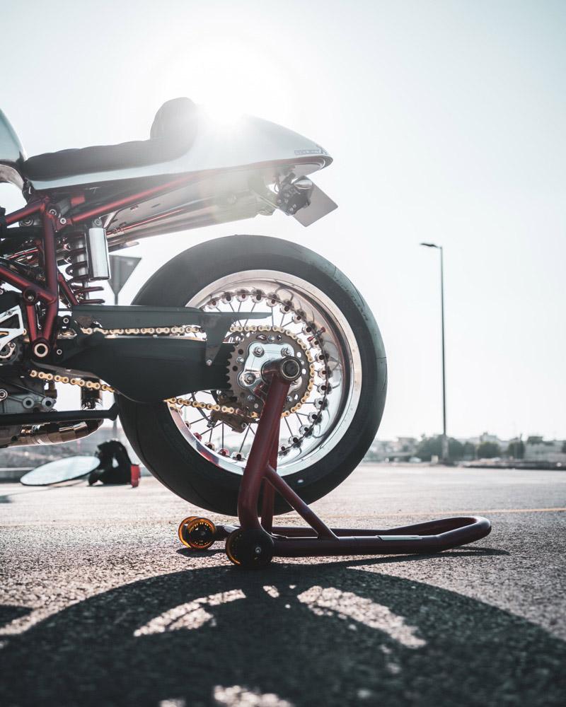 prepa ducati cafe racer moto