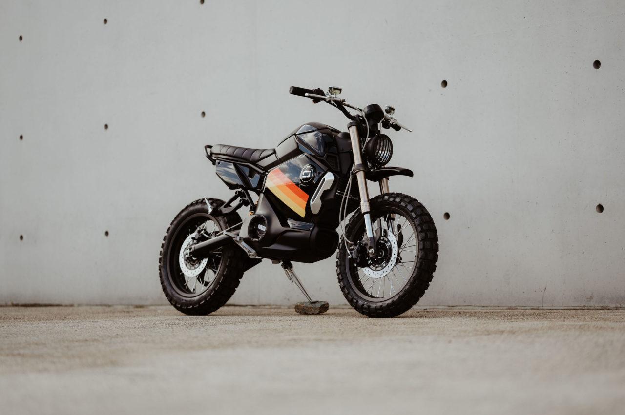 La SUPER SOCO TC MAX Custom du garage Super Volt !