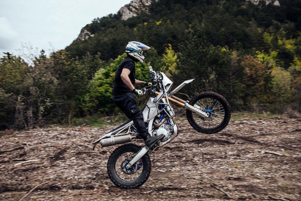 La Moto de Rally custom par Le Motographe